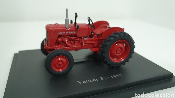 TRACTOR VALMET 33 DE 1957. (Juguetes - Modelos a escala)
