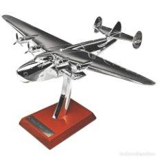 Modelli in scala: BOEING 314 CLIPPER 1938 1:200 AVION PLANE SILVER CLASSIC ATLAS. Lote 229767360