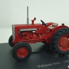 Modelos a escala: TRACTOR VALMET 565 DE 1966.. Lote 187112105