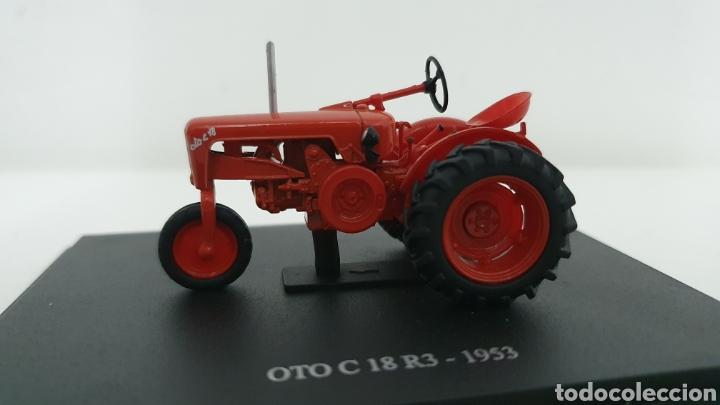 TRACTOR OTO C 18 R3 DE 1953. (Juguetes - Modelos a escala)