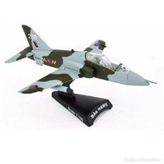 Modelos a escala: BAE HAWK ROYAL AIR FORCE1:100 AVION DE COMBATE DEL PRADO DIECAST #043. Lote 236321870