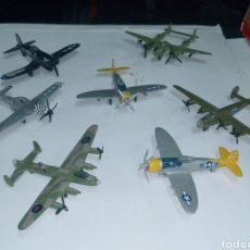 Modelos a escala: 7 AVIONES DE LA 2 GUERRA MUNDIAL- CAZAS Y BOMBARDEOS- METALICOS. Lote 237025060