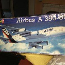 Modelos a escala: MAQUETA AVION REVELL 1:144 AIRBUS A 380-800. Lote 237579070
