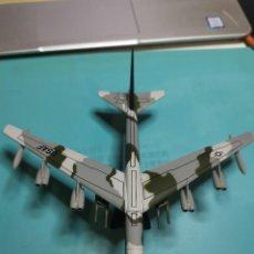 Modelos a escala: AVION B52. Lote 239470770