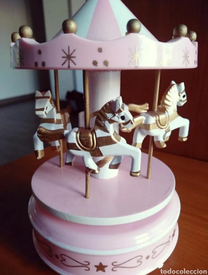 Modelos a escala: Carrusel / Tiovivo con caballos ( Gira con música ) - Foto 3 - 240769220