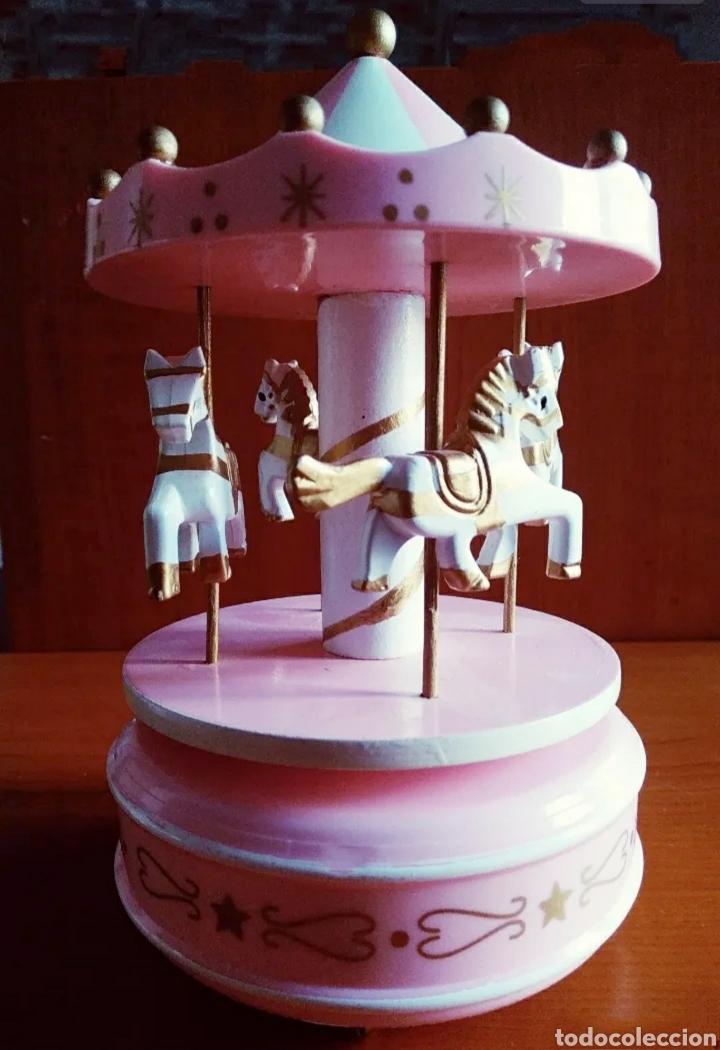 Modelos a escala: Carrusel / Tiovivo con caballos ( Gira con música ) - Foto 4 - 240769220
