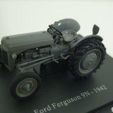 Modelos a escala: TRACTOR FORD FERGUSON 9N DE 1942.. Lote 241666675
