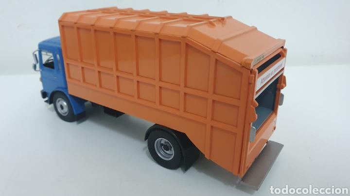 Modelos a escala: Camión Saviem SM10. - Foto 4 - 242047845