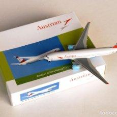 Modelos a escala: SCHABAK 1:600 • AUSTRIAN AIRLINES (OE-LPC 2005-2021) BOEING 777-200 • METÁLICO DIECAST 1/600. Lote 246017930