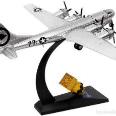 Modelos a escala: MAQUETA EN METAL DEL BOMBARDERO ESTRATÉGICO B-29 BOCKSCAR, Y SU BOMBA ATÓMICA -FAT MAN- A ESTRENAR. Lote 252548790