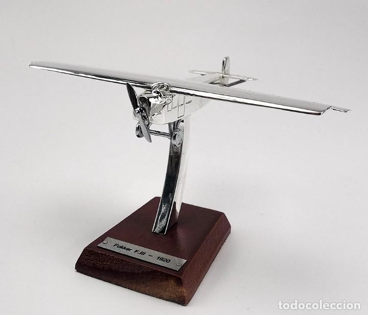 MAQUETA EN METAL CON BAÑO DE PLATA DEL FOKKER F.III, 1920, A ESCALA 1:200. A ESTRENAR (Juguetes - Modelos a escala)