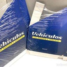 Modelos a escala: 2 ARCHIVADORES - CARPETAS / COLECCIÓN VEHÍCULOS DE REPARTO Y SERVICIO / COLECCIÓN SALVAT - REVISTA. Lote 256148565