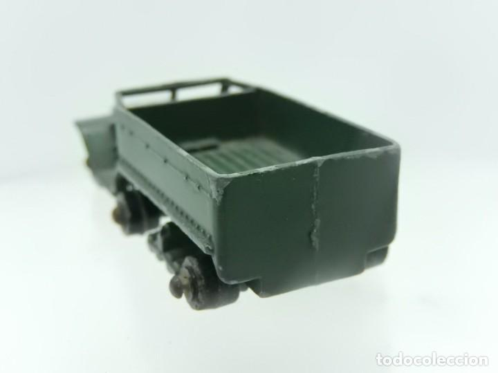 Modelos a escala: Pequeño camión militar. M3 Personnel Carrier. Fabricado en Inglaterra por Lesney. - Foto 3 - 278269403