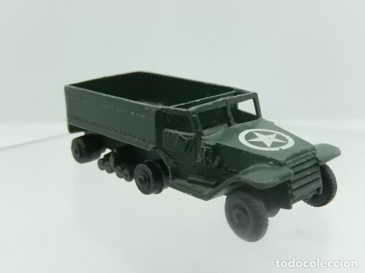 Modelos a escala: Pequeño camión militar. M3 Personnel Carrier. Fabricado en Inglaterra por Lesney. - Foto 6 - 278269403