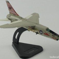 Modelos em escala: AVION DE COMBATE F-8 CRUSADER. Lote 285250503