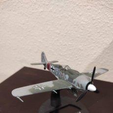 Modelos a escala: FOCKE-WULF FW 190A-8 1945 - 1:72 - WWII AVIÓN. Lote 288625828