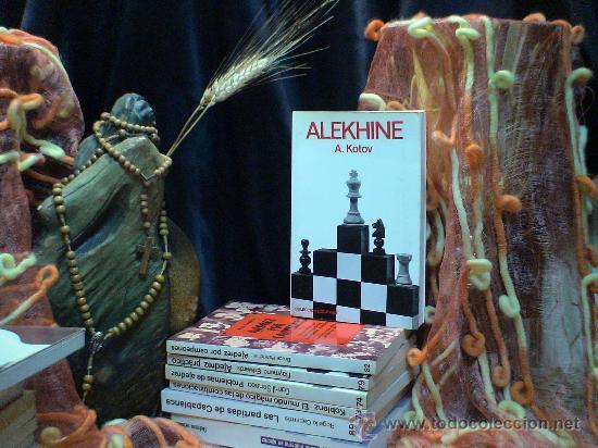 AJEDREZ. ALEKHINE - ALEXANDER KOTOV (Coleccionismo Deportivo - Libros de Ajedrez)