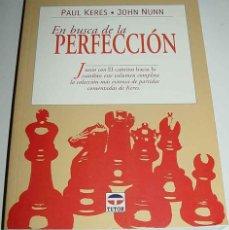 Coleccionismo deportivo: LIBRO EN BUSCA DE LA PERFECCION - AJEDREZ - POR PAUL KERES - EDICIONES TUTOR - MADRID, 1999. EN RUS. Lote 38252080