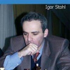 Coleccionismo deportivo: AJEDREZ. LAS MEJORES PARTIDAS DE GARI KASPAROV TOMO II - IGOR STOHL. Lote 40927314