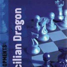 Coleccionismo deportivo: AJEDREZ. CHESS DEVELOPMENTS: THE SICILIAN DRAGON - DAVID VIGORITO. Lote 41370295