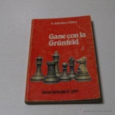 Coleccionismo deportivo: GANE CON LA GRUNFELD . A.ADORJAN Y J. DÖRY. Lote 42653843