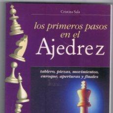 Coleccionismo deportivo: LOS PRIMEROS PASOS EN EL AJEDREZ, CRISTINA SALA, EDITORIAL DE VECCHI 188 PAGINAS AÑO 2001 MD198. Lote 59585275