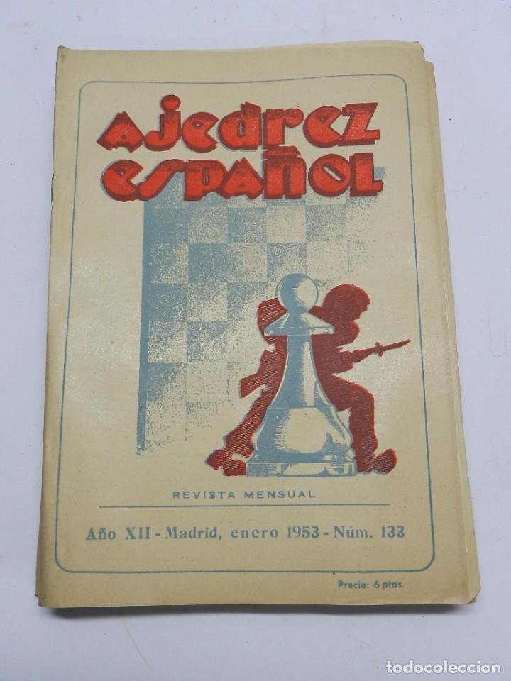 REVISTA AJEDREZ ESPAÑOL ENERO 1953 - NUM. 133, TIENE 56 PAGINAS Y MIDE 24 X 17 CMS. (Coleccionismo Deportivo - Libros de Ajedrez)