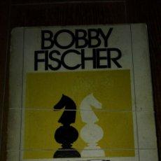 Coleccionismo deportivo: C62 LIBRO AJEDREZ BOBBY FISCHER ENSEÑA AJEDREZ POMAIRE. Lote 132149718