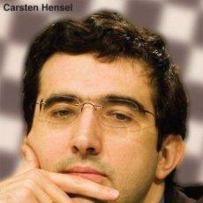 Coleccionismo deportivo: AJEDREZ. VLADIMIR KRAMNIK. THE INSIDE STORY OF A CHESS GENIUS - CARSTEN HENSEL (CARTONÉ). Lote 145379374