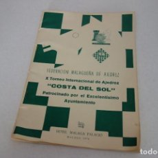 Coleccionismo deportivo: AJEDREZ.CHESS. BOLETÍN DE TORNEO .X TORNEO INTERNACIONAL DE AJEDREZ COSTA DEL SOL. MALAGA 1970.. Lote 167467920
