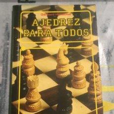 Coleccionismo deportivo: AJEDREZ PARA TODOS DE GERHARD HENSCHEL , EDITORIAL EVEREST, 1985, MUY BUEN ESTADO. Lote 177050634