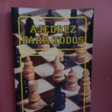 Coleccionismo deportivo: AJEDREZ PARA TODOS - GERHARD HENSCHEL - EDITORIAL EVEREST 1983. . Lote 194133578