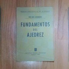 Coleccionismo deportivo: CAPABLANCA FUNDAMENTOS DE AJEDREZ SOPENA 1 ED.. Lote 195145583