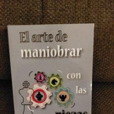 Coleccionismo deportivo: EL ARTE DE MANIOBRAR CON LAS PIEZAS CHESSY AJEDREZ. Lote 269649988