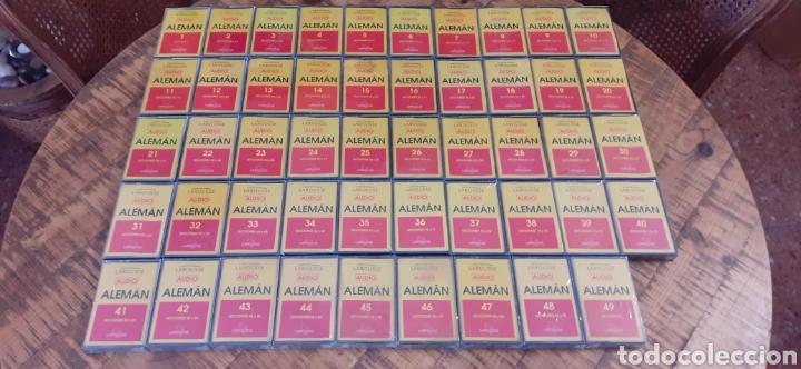 Libros: LAROUSSE- CURSO DE IDIOMA ALEMÁN - 49 CASETTE - 48 CD - AÑOS 90 - Foto 2 - 193628343