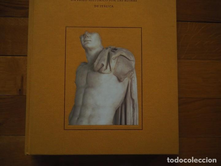 Libros antiguos: Sevilla La Vieja. JM Luzón Nogué. 1999, 1ª ed. En tela, tapa dura e ilustración pegada. - Foto 2 - 141769454