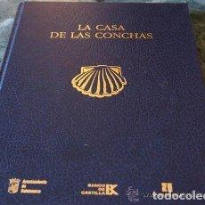 Libros antiguos: ÁLVAREZ VILLAR, JULIÁN., LA CASA DE LAS CONCHAS. CON 52 LÁMINAS PEGADAS. ED. LA GACETA REGIONAL., 1. Lote 126464275