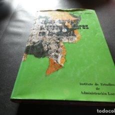 Libros antiguos: LIBRO BUEN TAMAÑO ZONAS VERDES Y ESPACIOS LIBRES EN LA CIUDAD LIBRO GRAN TAMAÑO LUIS R AVIAL 1KG. Lote 178850840