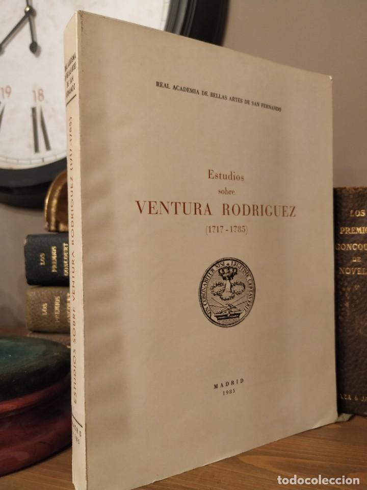 ESTUDIOS SOBRE VENTURA RODRIGUEZ (1717-1785) (PUBLICACIONES DE LA REAL ACADEMIA DE BELLAS ARTES DE S (Libros Antiguos, Raros y Curiosos - Bellas artes, ocio y coleccion - Arquitectura)