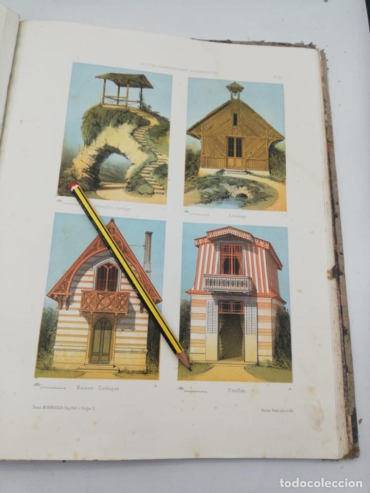 Libros antiguos: PETITES CONSTRUCTIONS PITTORESQUES POR LA DECORATIONS PARCS, JARDINS, FERMES ET BASSES-COURS - Foto 27 - 268022319