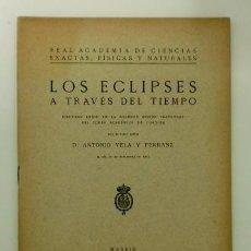 Libros antiguos: LOS ECLIPSES A TRAVÉS DEL TIEMPO (1923). Lote 103857931