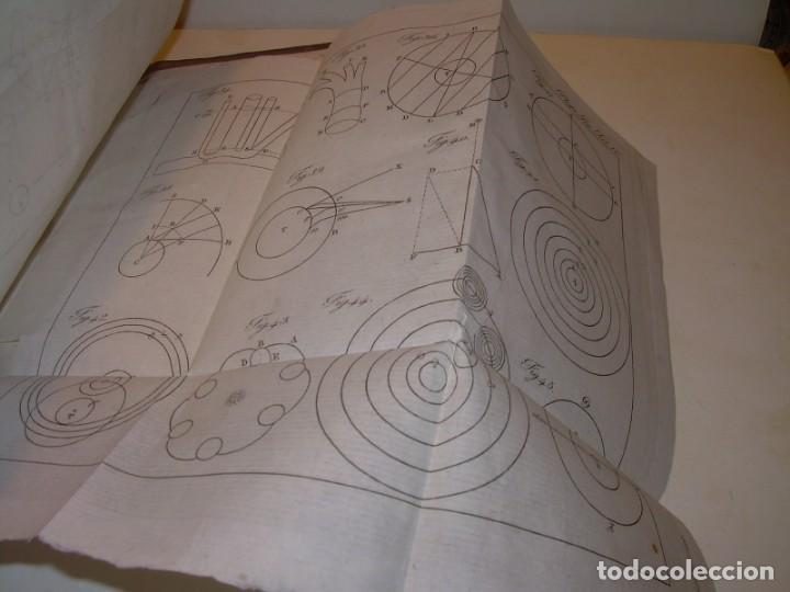 Libros antiguos: LIBRO TAPAS DE PIEL..ASTRONOMIA - FISICA - HIDROESTATICA, ETC. CON 5 LAMINAS DESPLEGABLES..AÑO 1824. - Foto 18 - 162140238