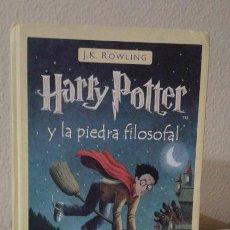 Libros antiguos: HARRY POTTER Y LA PIEDRA FILOSOFAL J.K. ROWLING. Lote 57873052