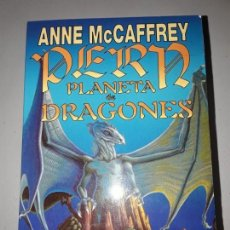 Libros antiguos: PLANETA DE DRAGONES. ANNE MCCAFFREY. ISBN 84 7002-472-8. Lote 131971038