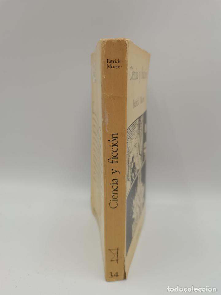 Libros antiguos: CIENCIA Y FICCION. PATRICK MOORE. ED. TAURUS. MADRID, 1965. PAGS: 256. - Foto 2 - 247063390