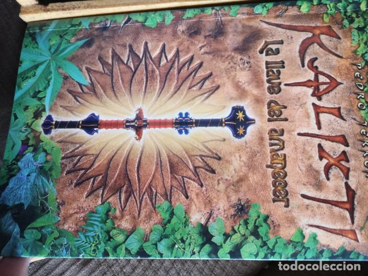 Libros antiguos: Libro la llave del amanecer y la ciudad perdida tapa de madera - Foto 5 - 285415363
