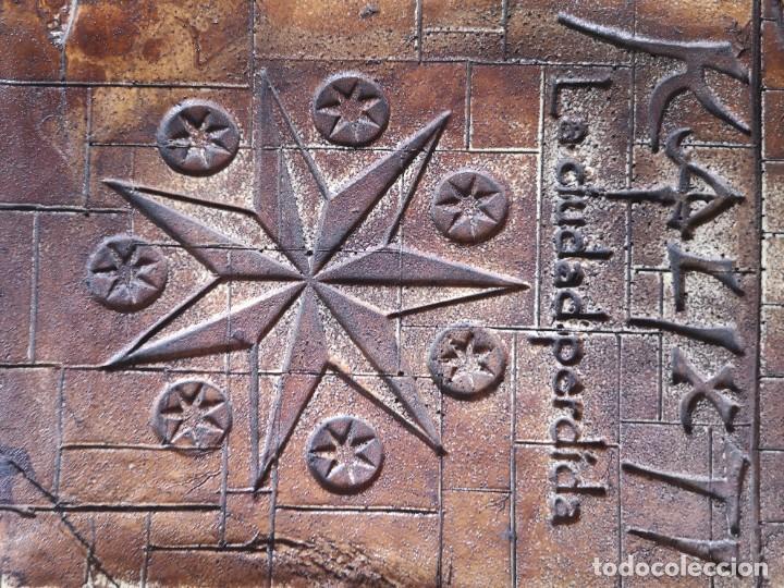 Libros antiguos: Libro la llave del amanecer y la ciudad perdida tapa de madera - Foto 8 - 285415363