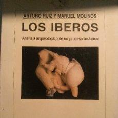 Libros antiguos: LOS IBEROS, ARTURO RUIZ Y MANUEL MOLINOS, CRÍTICA EDITORIAL.. Lote 178715096
