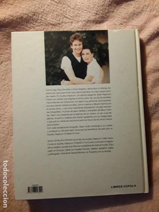 Libros antiguos: Un espíritu elegante (Audrey Hepburn). Libros Cúpula. Excelente estado. Biografía - Foto 2 - 255574765