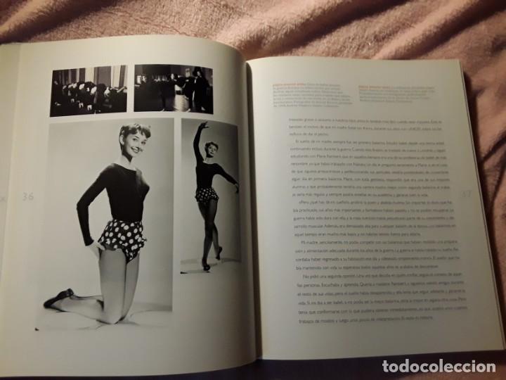 Libros antiguos: Un espíritu elegante (Audrey Hepburn). Libros Cúpula. Excelente estado. Biografía - Foto 4 - 255574765